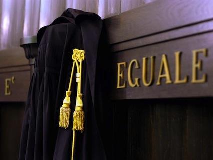Lotta dura degli avvocati italiani contro chiusure e accorpamenti dei tribunali: raffica di ricorsi al Tar