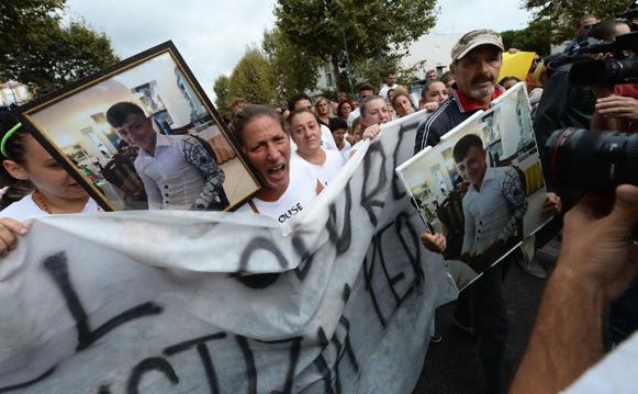 https://www.eolopress.it/index/wp-content/uploads/2014/09/proteste_napoli.jpg
