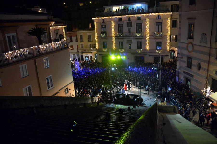 https://www.eolopress.it/index/wp-content/uploads/2018/12/Amalfi_capodannoamalfi.jpg