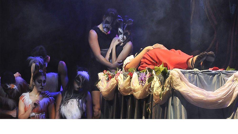 https://www.eolopress.it/index/wp-content/uploads/2018/12/Teatro_biancaneve-1_03.jpg