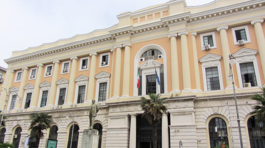 Salerno: Falsi incidenti, nei guai uno studio legale