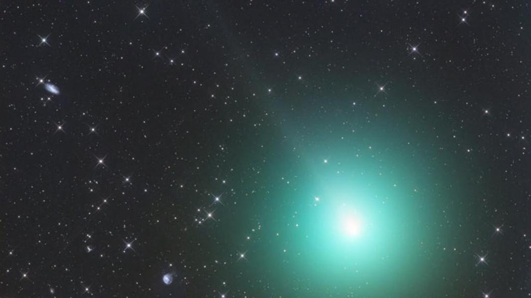 https://www.eolopress.it/index/wp-content/uploads/2018/12/cometa_natale.jpg
