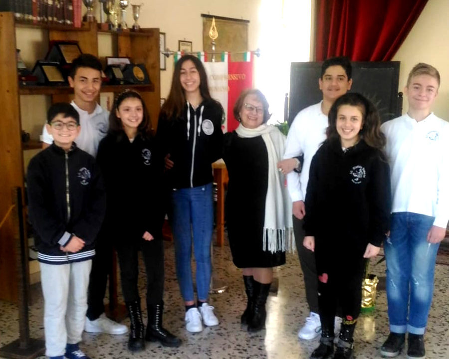 https://www.eolopress.it/index/wp-content/uploads/2019/03/Studenti_scuolaRomano_Eboli-900x720.jpg