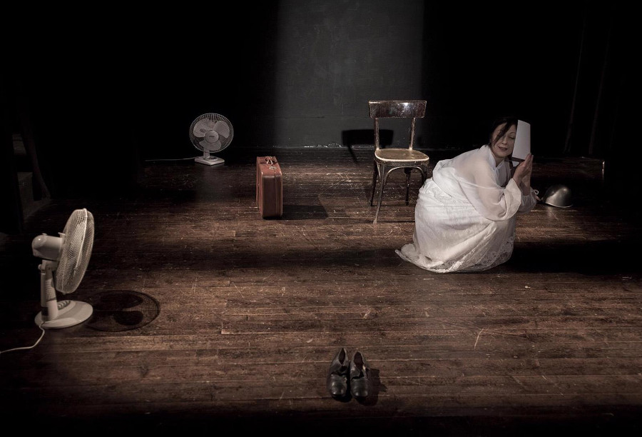 https://www.eolopress.it/index/wp-content/uploads/2019/03/Teatro_fiorechetimandolhobaciato.jpg