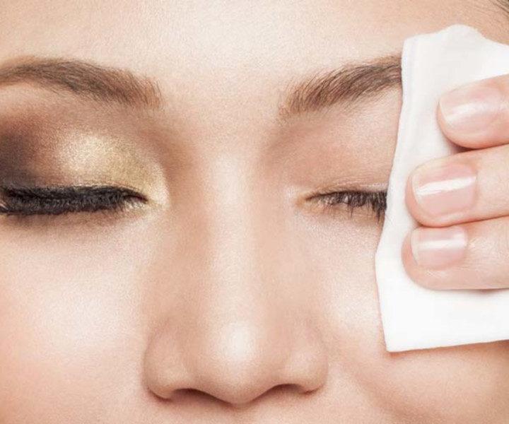 Struccanti viso e occhi: quali le differenze e quali usare?