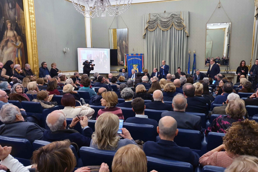 https://www.eolopress.it/index/wp-content/uploads/2020/01/PresentazioneGiornale01-1.jpg