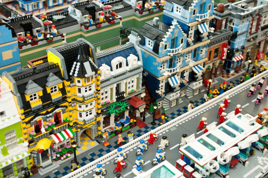 Lego, una passione senza tempo. A Napoli la mostra