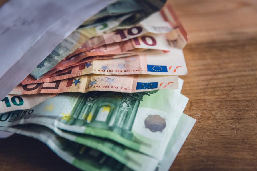 Campania, bonus per pensionati al minimo e stagionali